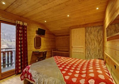chalet-aubier-chambre-famille-bebe